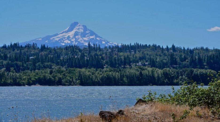 Mt. Hood ~ One of the 7 Wonders of Oregon, Old Parkdale Inn